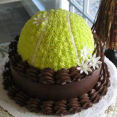 Tennis themed cake