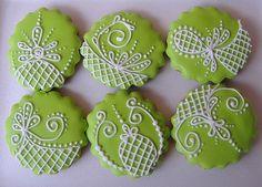 biscoito confeitado verdes com arabescos by Biscoitos da Deborah, via Flickr