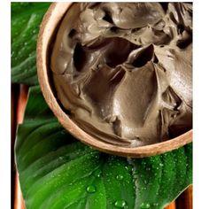 Ma recette de shampoing naturel et fait maison au Rhassoul. Facile, efficace et très peu chère !