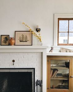 white home accessories Wood-stained built-in with white painted brick fireplace. Living Room Decor Cozy, My Living Room, Home And Living, Living Spaces, Living Room Accessories, Home Accessories, Décor Antique, Up House, Farm House
