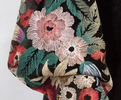 Detail of the chain stitch embroidered on the black silk velvet coat, c.1935. J'adore...!!!