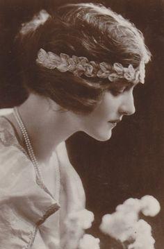 Miss Lily Elsie #vintage #portrait