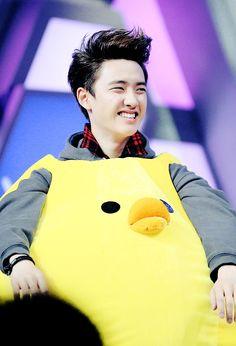 Do Kyungsoo smiling/laughing/being a goofball are some of my absolute favorite things 🤗 Kyungsoo, Chansoo, Kim Jongdae, Exo Ot12, Do Kyung Soo, Kpop Exo, Bts And Exo, Exo Members, Vixx