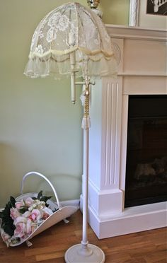 Inspiration for a free-standing shabby chic lampshade - The Italian blog on the Shabby Chic and beyond