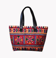 Size: x Shoulder Drop Embroidery covers both sides! Note:This is an authentic Ethnic Banjara bag, and not a replica. Spruce up your wardrobe with this spectacular masterpiece of work. Indiana, Indian Textiles, Embroidered Bag, Mirror Work, Knitted Bags, Hobo Bag, Purses And Bags, Gypsy, Beach Bags