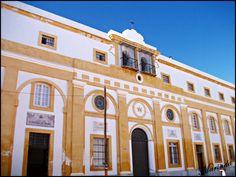 Fachada colegio Compañia de Maria San Fernando Cadiz, Mansions, House Styles, Home, Exit Slips, Islands, Scenery, Fotografia, Manor Houses