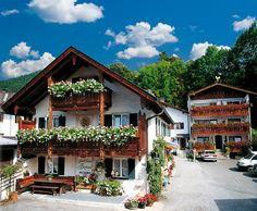 Gasthof Fraundorfer in Garmisch-Partenkirchen, Bayern, Bavaria. A traditional chalet-style Bavarian ski resort in Germany. Welcome and friendly a change of pace from other more snooty Apline resorts.