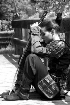 I don't know why, but I LOVE this picture. Yes, it's Samurai. I'm more intrigued by ninjas, but samurai armor pretty awesome you have to admit Aikido, Samurai Girl, Ronin Samurai, Female Samurai, Samurai Warrior, 47 Ronin, Female Ninja, Ninja Warrior, Samurai Swords
