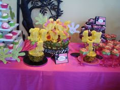 Pineapple Minnie at a Minnie Mouse Party #minniemouse #pineapple