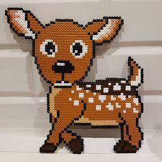 Ett rådjur jag pärlat idag. Gillar att pärla dessa djur från boken av Anja Takacs hon gör så fina mönster 😊 #pärlplatta #pärla… Fuse Bead Patterns, Perler Patterns, Beading Patterns, Hama Beads Animals, Beaded Animals, Diy Perler Beads, Pearler Beads, Beads Pictures, Beaded Cross Stitch