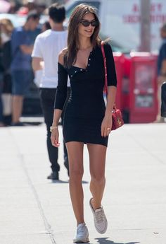 How does Emily Ratajkowski styles the Little Black Dress ? - Black Dresses - Ideas of Black Dresses - How does Emily Ratajkowski style the Little Black Dress ? Black Women Fashion, Look Fashion, Fashion Outfits, Womens Fashion, Fashion Vest, Model Outfits, Feminine Fashion, Fasion, Fashion Photo