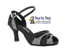 sandalo semiaperto in raso nero rivestito di strass , suola in bufalo, tacco 75 #stepbystep #ballo #salsa #tango #kizomba #bachata #scarpedaballo #danceshoes #cute #design #fashion #shopping #shoppingonline #glamour #glam #picoftheday #shoe #style #instagood #instashoes #sandals #sandali #strass #rhinestoned #instaheels #stepbystepshoes #cute #salsaon2 #black #bachatasensual  #blacksatin