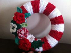 Crochet christmas wreath inspired by Lucy at Attic24