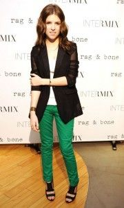 Anna Kendrick rocks green