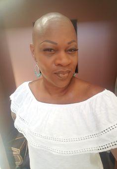 Cute Bald Hairstyles This Winter Season 06 Bald Head Women, Hair Loss Women, Bald Haircut, Natural Hair Styles, Short Hair Styles, How To Grow Your Hair Faster, Going Bald, Bald Girl, Bald Heads
