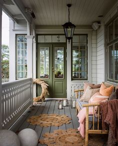 Lovely veranda for a lazy Sunday ♡ Photo . Style At Home, Sweden House, Shelter Island, Interior Decorating, Interior Design, Back Patio, Home Staging, Home Fashion, My Dream Home