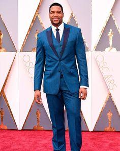@michaelstrahan looking fresh at the #oscars on the #redcarpet . #brolifeco #bro #bebetterthanthegap #suits #brope #mensfashion #bespoke #menstyle #tailoredsuit #tailoredsuits #tailoredsuite #tailored #fashion #menswear #luxurylifestyle #dapper #wristgame #wrist #watch #luxurywatch #handmade #elegance #beautifulmenswear #antichitelai #mensstyle #bespokesuit #suitup #tailor