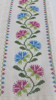 """# # Cross """"This post was discovered by Ayş"""", """"Towel with Cross-Stitch"""" Cross Stitch Borders, Cross Stitch Flowers, Cross Stitch Designs, Cross Stitching, Cross Stitch Patterns, Beaded Embroidery, Cross Stitch Embroidery, Hand Embroidery, Embroidery Designs"""