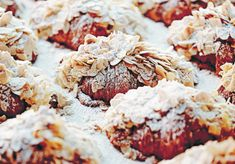 Almond Croissant, Croissant Recipe, Bake Croissants, Cafe Food, Dessert Drinks, Just Desserts, Pastries, Cravings, Sweet Tooth