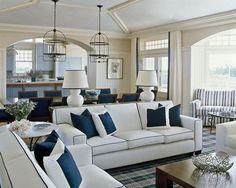 Perfekt Love The Navy Trim On The Lampshades And White Sofa
