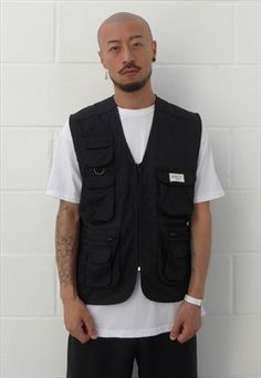 New 90s Style Multi-Pocket Utility Vest in Black Cargo Vest, Utility Vest, Vest Outfits For Women, Clothes For Women, Dope Outfits, Fashion Model Poses, Streetwear, Menswear, 90s Style