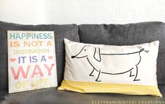 Duchshund , bassotto Handmade pillow Hand painted