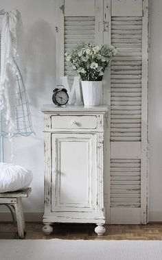 Shabby end table