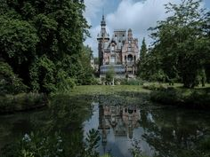 "Director Tim Burton and production designer Gavin Bocquet chose Torenhof Castle in Belgium as one of the main locations for the film Miss Peregrine's Home for Peculiar Children. ""He wanted it to look like a house,"" says Bocquet of the search for the right home. ""Most of the ones he had seen before I joined didn't really give him that feel. They were either too municipal looking or looked like small castles as we know them, not as castles are called in Belgium."""