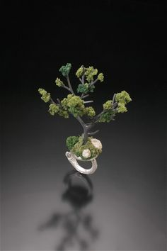 Summer Tree Ring by Sarah Hood jewelry artist. I love the idea of having shrubbery growing out of my finger.  http://www.sarahhoodjewelry.com/small/Gallery/LandscapeI.aspx#thumb