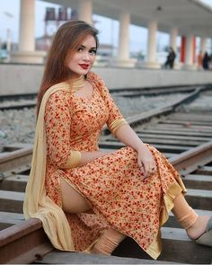 Indian Desi beauties Indian beautiful girl – Indian Desi Beauty – Indian Beautiful Girls and Ladies Kurti Neck Designs, Kurti Designs Party Wear, Blouse Designs, Punjabi Girls, Pakistani Girl, Punjabi Suits, Beautiful Girl Indian, Most Beautiful Indian Actress, Beautiful Black Women
