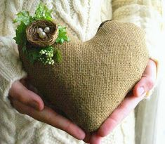 Valentines Day Themed Link-up - DIY Crafty Projects Burlap Projects, Burlap Crafts, Crafty Projects, Sewing Projects, Diy Crafts, I Love Heart, Happy Heart, Do It Yourself Design, Burlap Lace