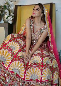 Bridal Lehenga, Saree Wedding, Tina Dutta, Bride Pictures, Indian Tv Actress, Popular Shows, Wedding Goals, Celebs, Celebrities