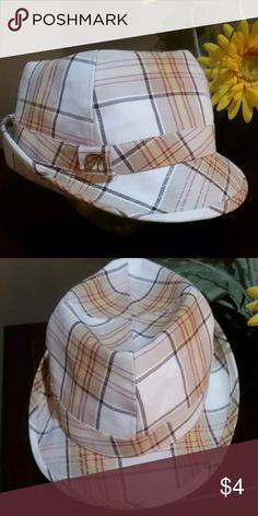 Plaid Fedora Hat by H&M Was slightly squished with other hats on top of my closet. Pretty much has its shape back... Cute hat H&M Accessories Hats