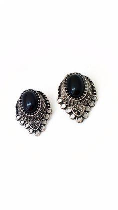 brincos pequeno prata com pedra preta loja coisas e tal