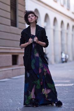 As queridinhas da moda XIV - Eva Fontanelli - Betty - Be true to yourself Modest Dresses, Modest Outfits, Skirt Outfits, Dress Skirt, Cool Outfits, Long Skirt Looks, Work Fashion, Street Style, My Style