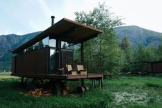 Who Else Wants Simple Step-By-Step Plans To Design And Build A Container Home From Scratch? Building A Container Home, Container Cabin, Shipping Container Homes, Shipping Containers, Tiny House Design, Cabins In The Woods, Modern Architecture, Amazing Architecture, Interior And Exterior