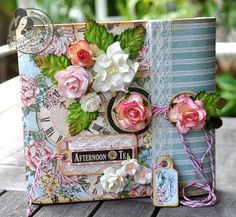 Really pretty paper bag mini album made from paper lunch bags - with tutorial