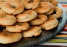 Kaak bi Halib : Delicious Milk-Based Cookies Recipe by Amal [ Arabic ] Milk biscuits Arabic Dessert, Arabic Sweets, Arabic Food, Eid Sweets, Arabic Bread, Lebanese Desserts, Lebanese Recipes, Lebanese Kaak Recipe, Lebanese Cuisine