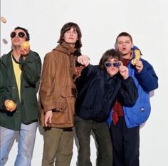 Stone Roses, Britpop, Brown Aesthetic, 40 Years Old, Indie Music, Pop Rocks, Cool Bands, How To Look Better, Mondays