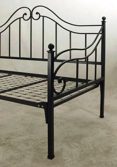 Black daybed
