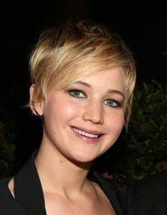 Jennifer Lawrence pixie haircut