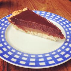 Tarte au chocolat et caramel au beurre salé - Chocolate pie and salted butter caramel #patisserie #tarte #chocolat #caramel #cuisine #food #homemade #faitmaison #yummy #cooking #eating #french #foodpic #foodgasm #instafood #instagood #yum #amazing #photooftheday #sweet #dinner #fresh #tasty #foodie #delish #delicious #foodpics #eat #hungry #foods #français #dessert #sucré #vegetarien