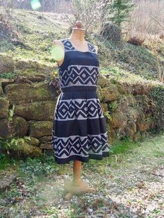 Fabrics, Two Piece Skirt Set, Fancy, Skirts, Inspiration, Dresses, Fashion, African Textiles, Tutorials
