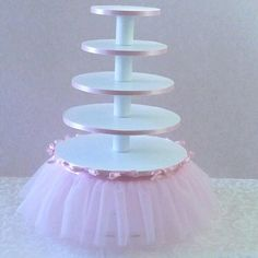 Ballerina Birthday Party 5 Tier Cupcake Tower with tutu .- Ballerina-Geburtstagsfeier mit Tutu Ballerina Birthday Party 5 Tier Cupcake Tower with tutu - Ballerina Baby Showers, Baby Shower Fun, Girl Shower, Fun Baby, Ballerina Tutu, Baby Baby, Ballerina Birthday Parties, Princess Birthday, Girl Birthday
