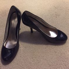 Chinese Laundry pumps Patented leather round toe pump,  never worn Chinese Laundry Shoes Heels