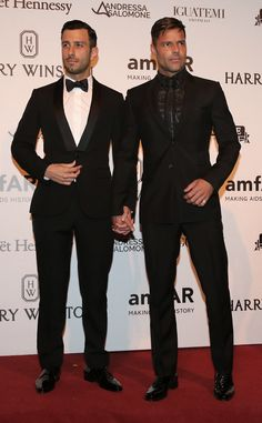 Ricky Martin and New Boyfriend Jwan Yosef Look Incredibly Handsome for Red Carpet Debut Ricky Martin, Jwan Yosef Ricky Martin, Lgbt Couples, Cute Gay Couples, Beautiful Men Faces, Gorgeous Men, Men Kissing, New Boyfriend, We Are The World, Man In Love