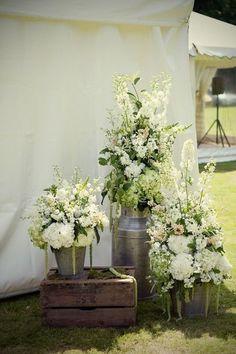 30 Ways To Use Buckets At Your Wedding | HappyWedd.com