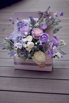 Flores 💜 purple 💜 – World of Flowers Beautiful Rose Flowers, Beautiful Flower Arrangements, Purple Flowers, Paper Flowers, Floral Arrangements, Beautiful Flowers, Doodle Flowers, Flower Box Gift, Flower Boxes