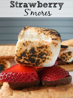 Strawberry S'mores are the most amazing campfire treat you can create. Outdoor Cooking Recipes, Camping Cooking, Salted Caramel Sauce, Chocolate Strawberries, Churros, 3 Ingredients, Strawberry, Ice Cream, Treats