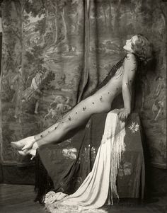 Por Alfred Cheney Johnston